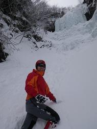 行者小屋越えて南沢小滝でアイスクライミング