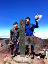 兄弟で富士登山に挑戦!無事に剣ヶ峰まで登頂できました