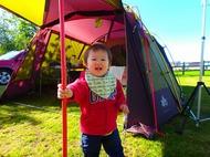 富良野日の出公園オートキャンプ場で子連れキャンプ。初使用のロゴス プレミアム PANELリビングプラスの快適さに驚く