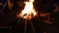 SOTO(ソト)の焚火台エアスタは、よく燃える、燃えすぎる!?スノーピーク焚き火台と違う燃焼