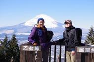 金時山登山、快晴の中、雄大な富士山の姿が見えました。