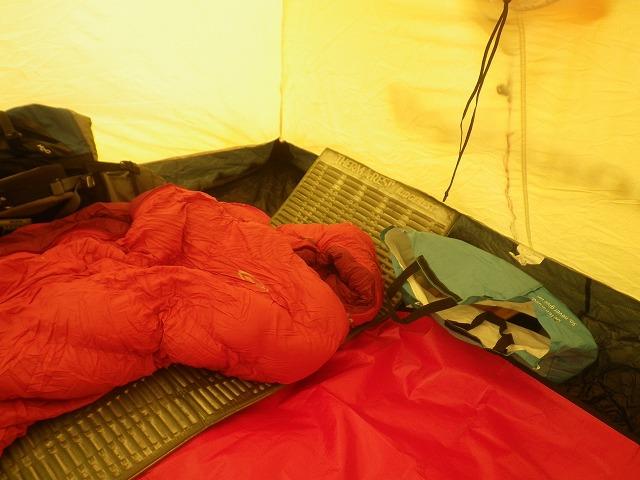 厳冬期 赤岳鉱泉 八ケ岳 テント泊 寝袋 シュラフ
