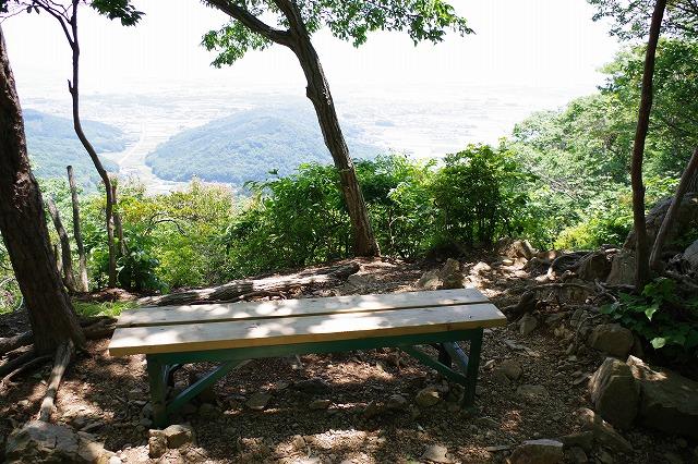 大平山と晃石山の登山道