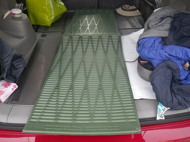 車中泊とマット