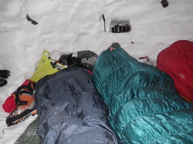 雪洞泊 寝袋