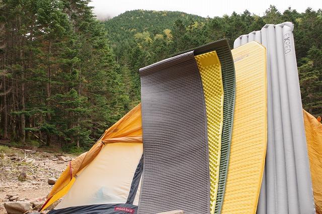 八ヶ岳 行者小屋テント場でマット寝心地比較実験
