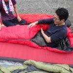 マミー型寝袋の世界基準は左ジッパー(スライダー)、しかし日本の主流は右ジッパーの理由