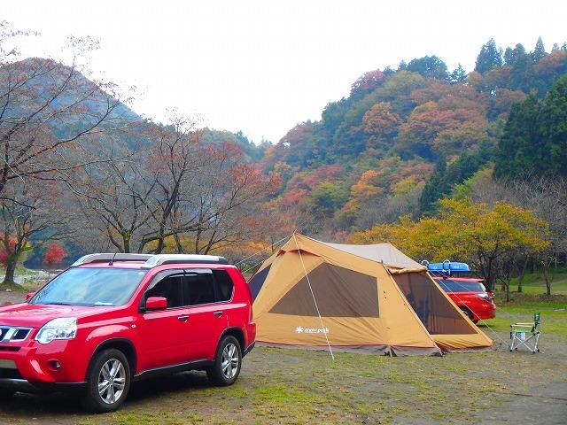 車移動のキャンプ
